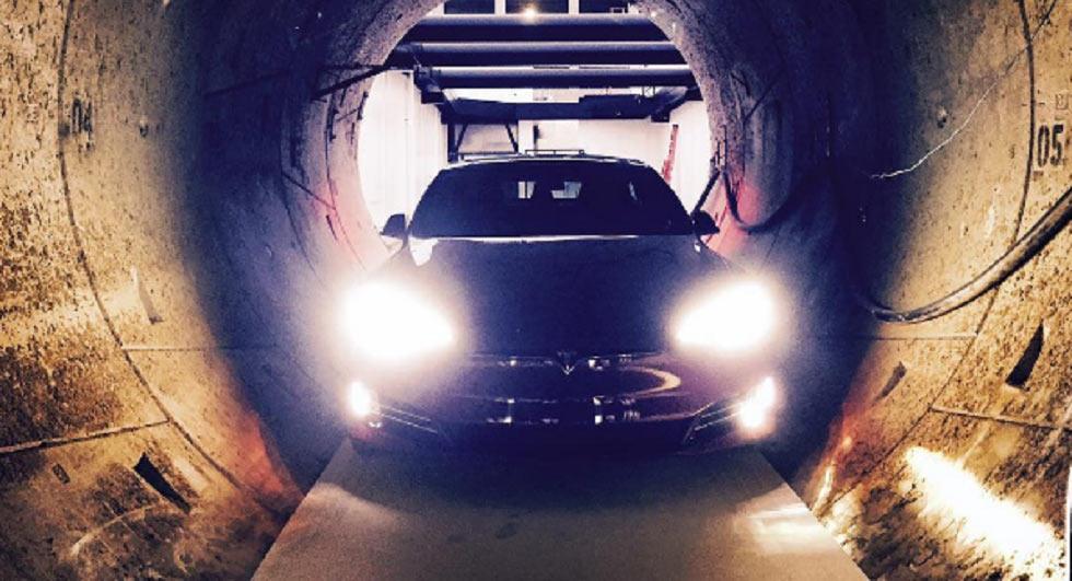 Илон Маск показал, как авто будут развивать 200 км/ч под землей