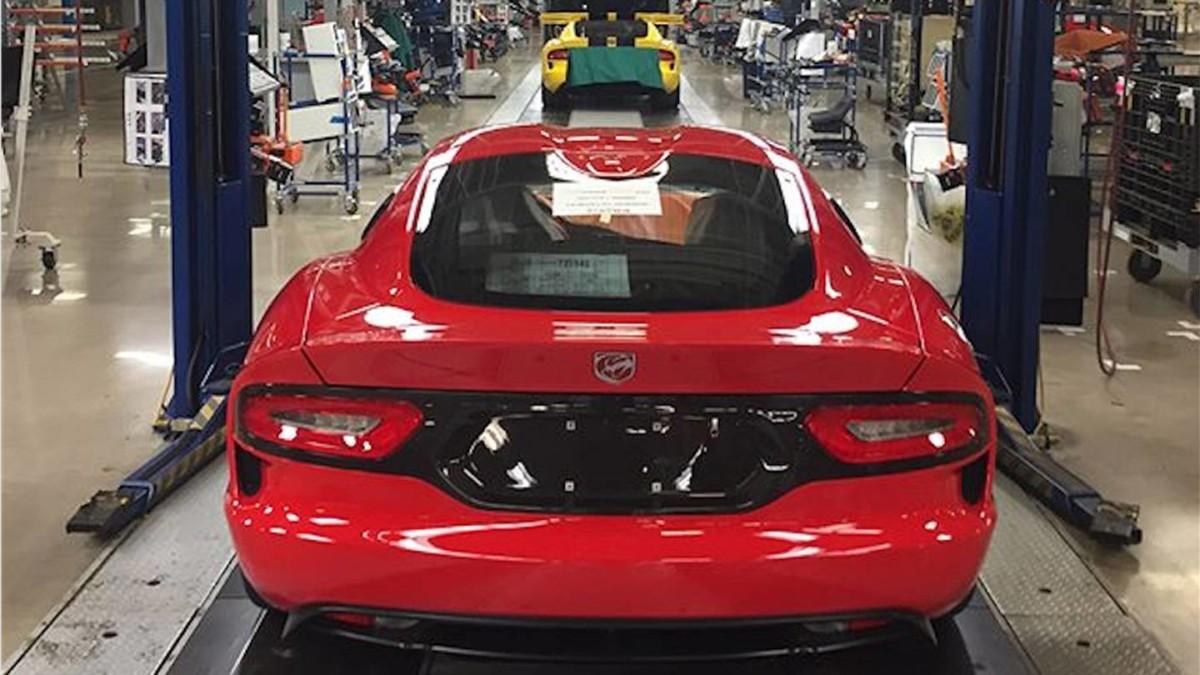 Легендарный спорткар Dodge Viper сняли с производства