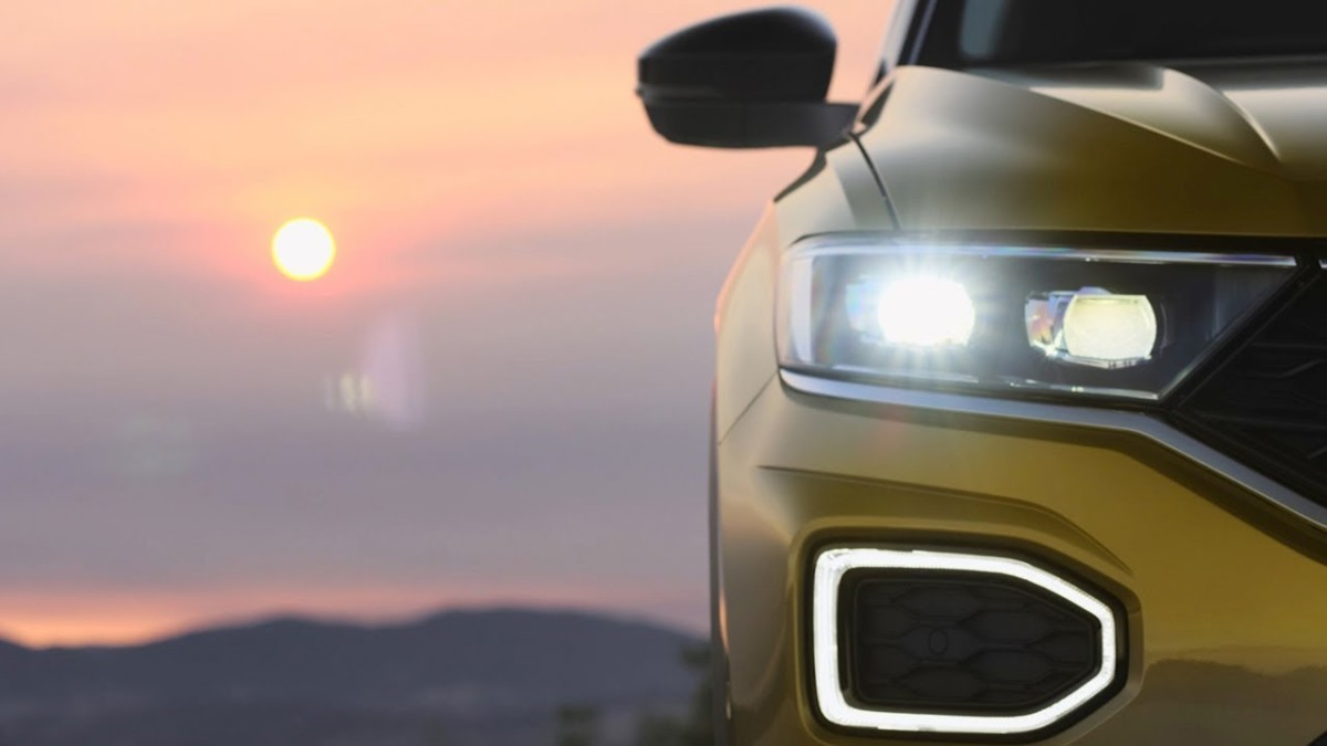 VW продемонстрировал навидео миниатюрный кроссовер T-Roc