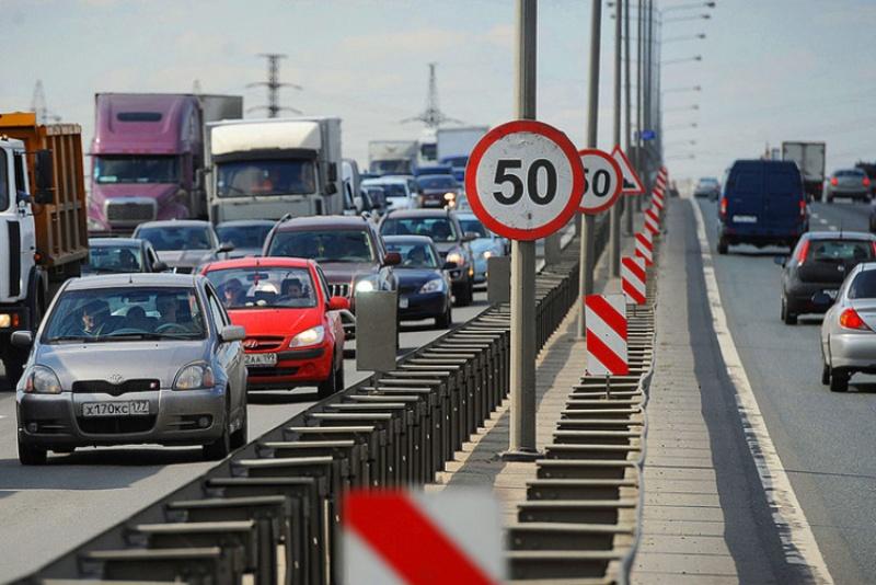 зниження максимальної швидкості руху авто у містах