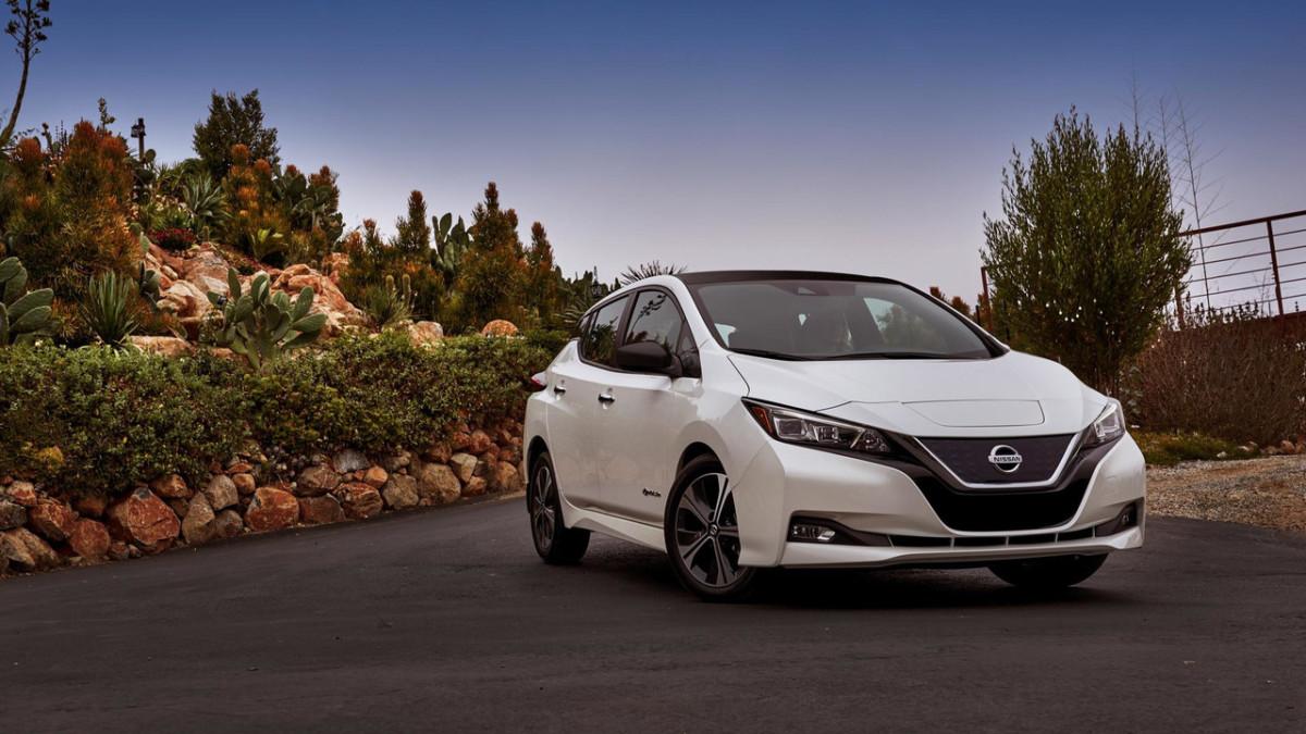 Ниссан  представил новый тип  электромобиля Leaf— Автоновости