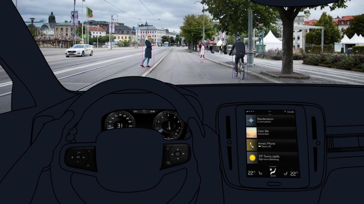 Новый Volvo XC40 2018 обещает стать самым безопасным в классе