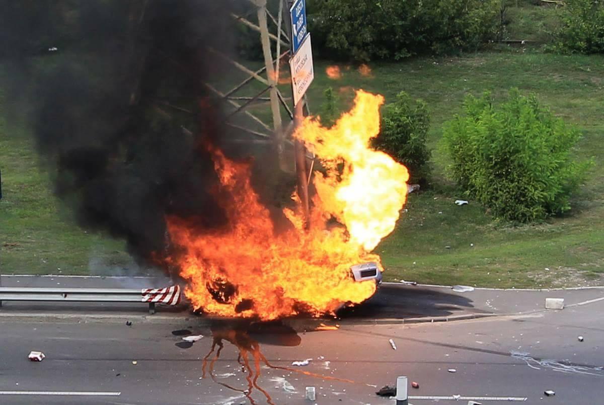 ДТП вКиеве закончилось мощным взрывом ипожаром