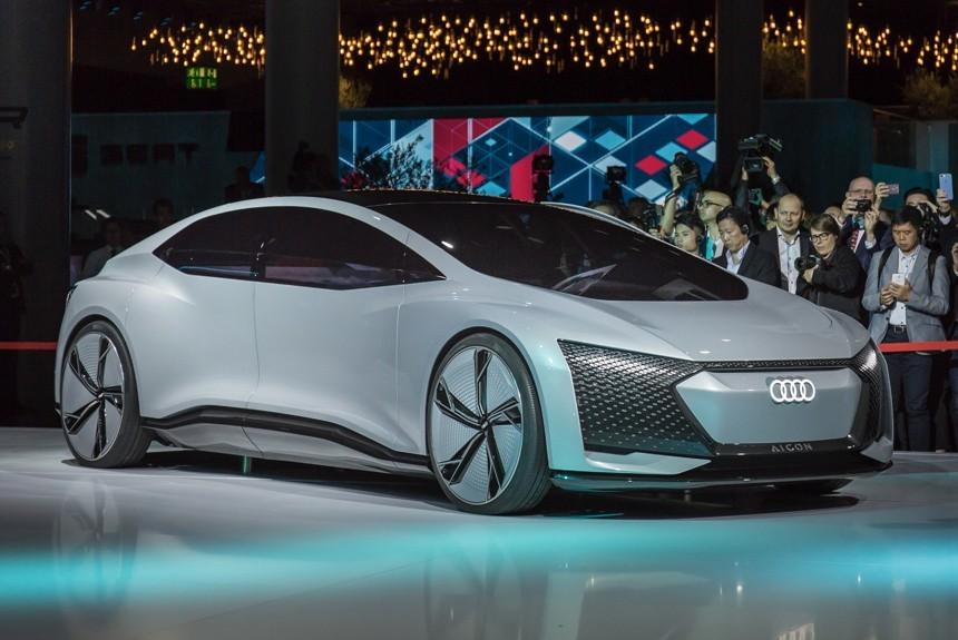 Audi показала на IAA-2017 беспилотный представительский авто
