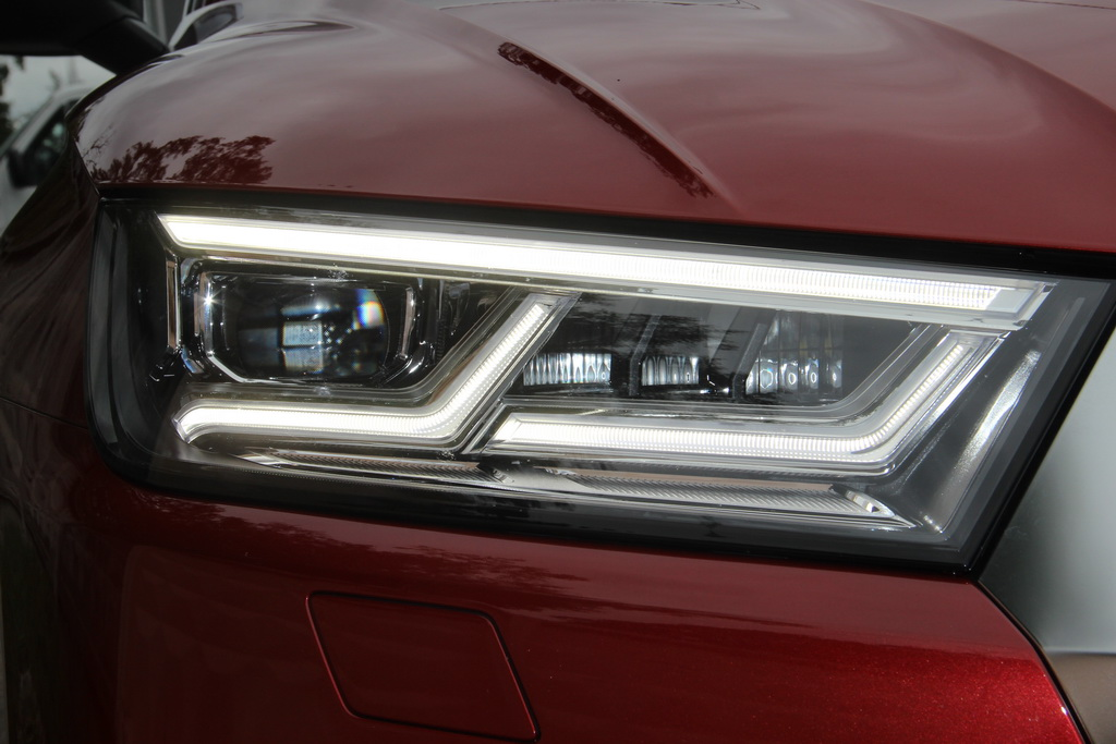 LED фары Audi SQ5 2017