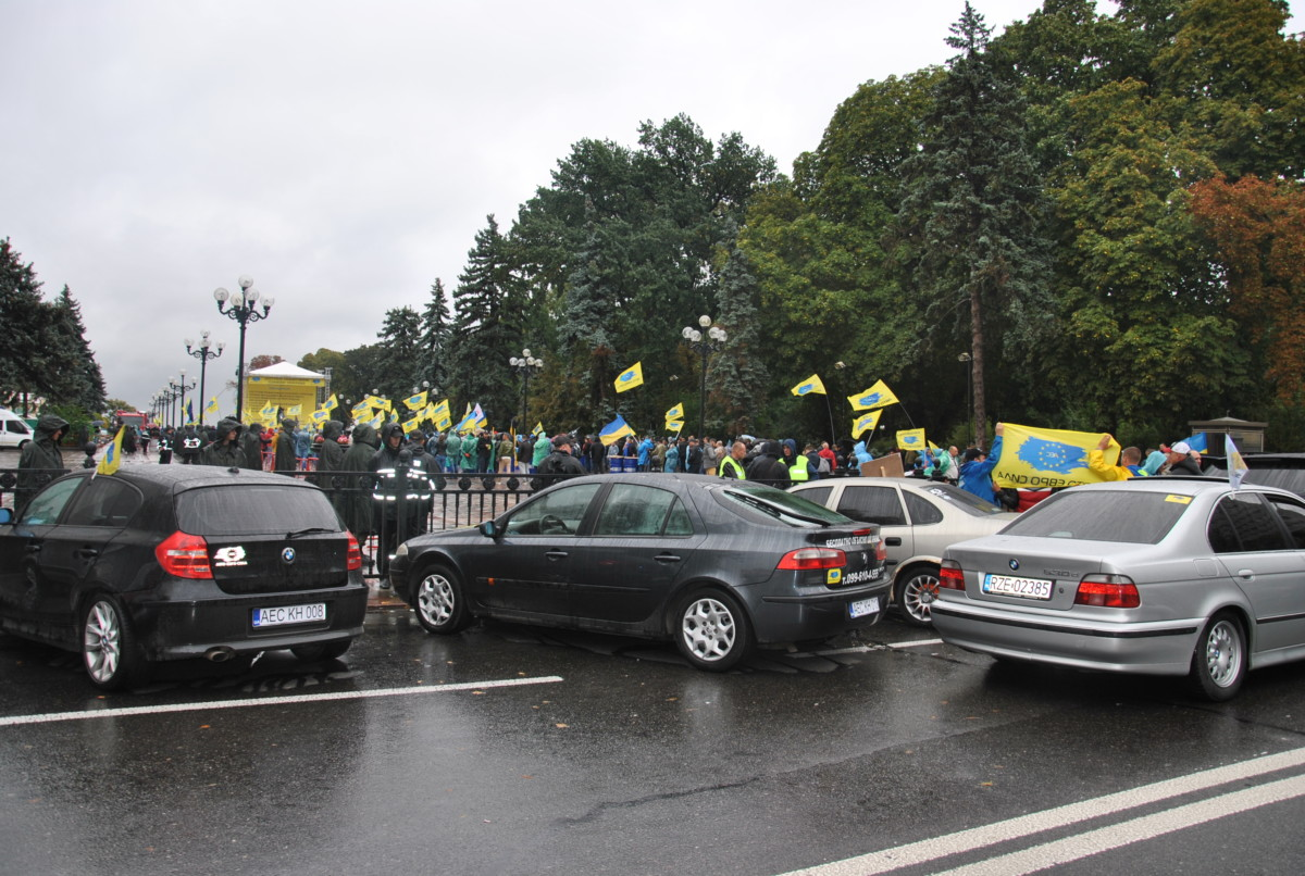 Сторонники авто на еврономерах объявили о завершении акции протеста