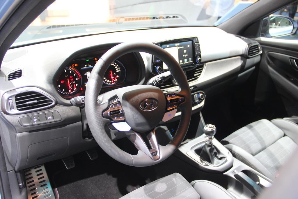 Hyundai i30 N: корейский конкурент VW Golf GTI