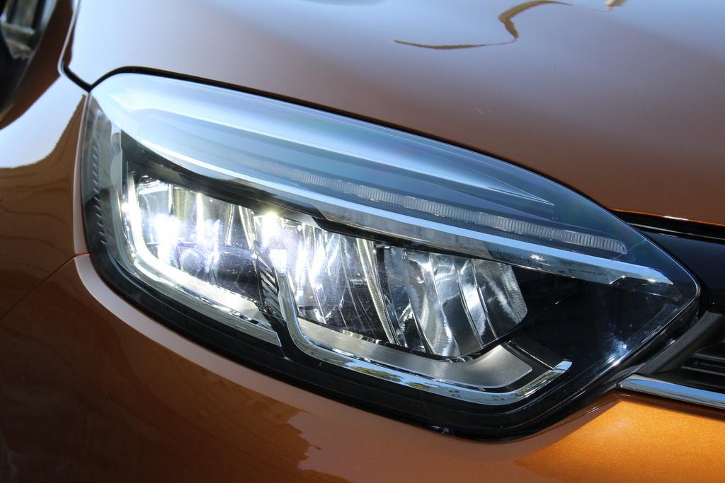 Оптика Renault Captur 20171