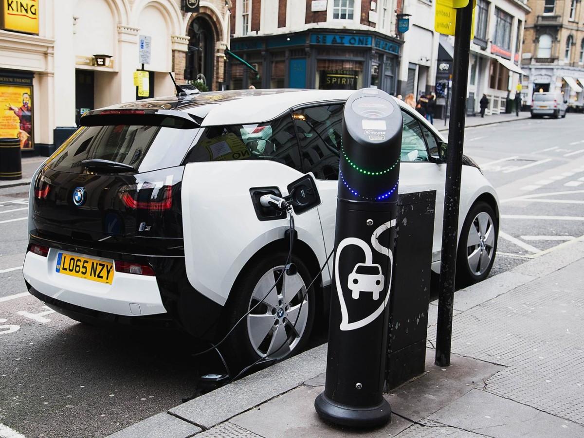 Шотландия отказывается от бензиновых и дизельных авто