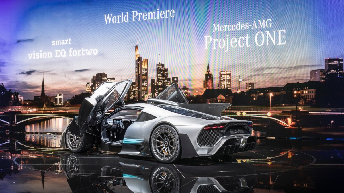 Mercedes-AMG Project One: живые фото первого гиперкара Мерседес