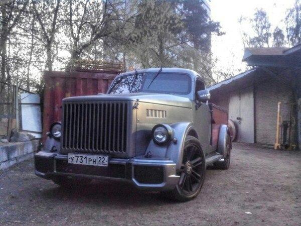 Хот-род ГАЗ-51 получил двигатель Chevrolet и салон как у Bugatti