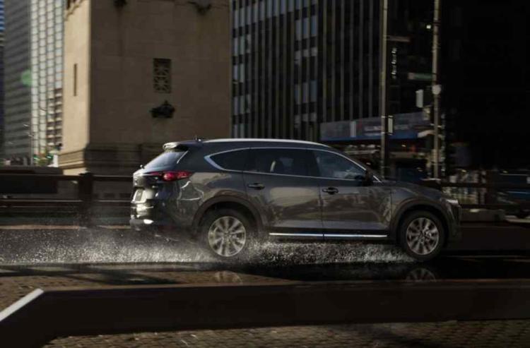 Семиместный кроссовер Mazda CX-8 официально представлен