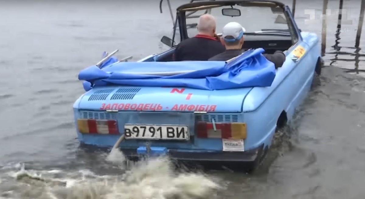 ТопЖыр: украинец создал Запорожец-амфибию иездит нанем нарыбалку