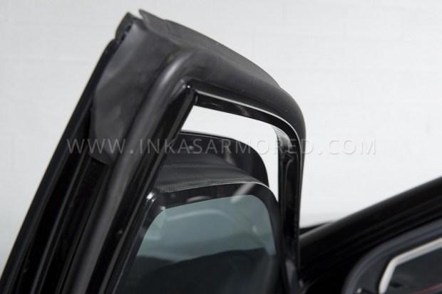 Бронированная Toyota Camry выдерживает обстрел из АК-47