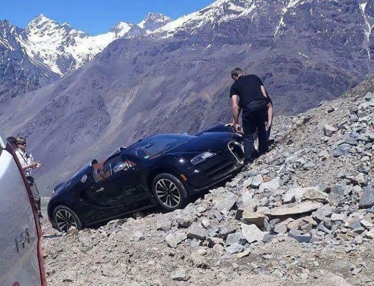 Гиперкар Bugatti Veyron испытали тяжелым бездорожьем