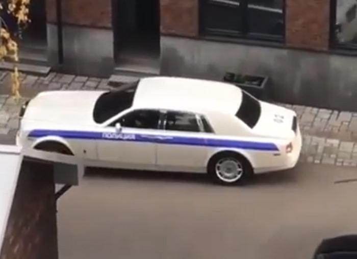 Роллс-Ройс полиция