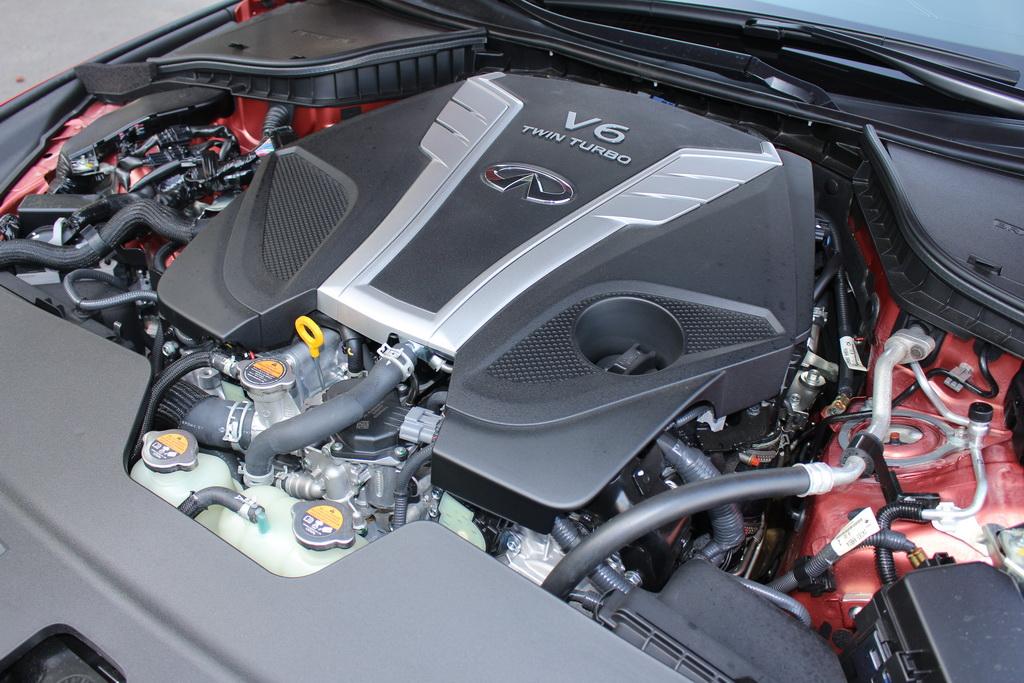 V6 3.0t Infiniti Q60