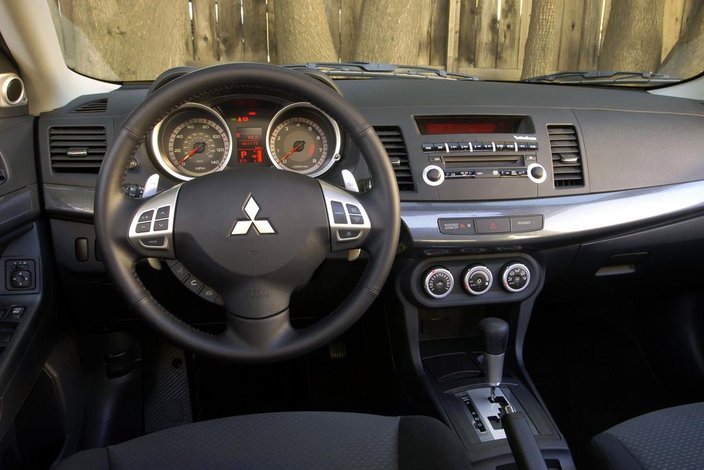 Mitsubishi Lancer 12 - Что лучше mazda atenza или lancer 10