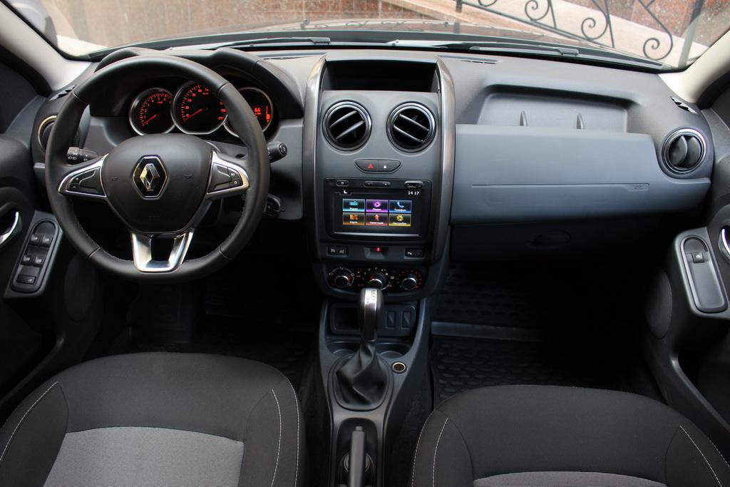 Салон Renault Duster EDC