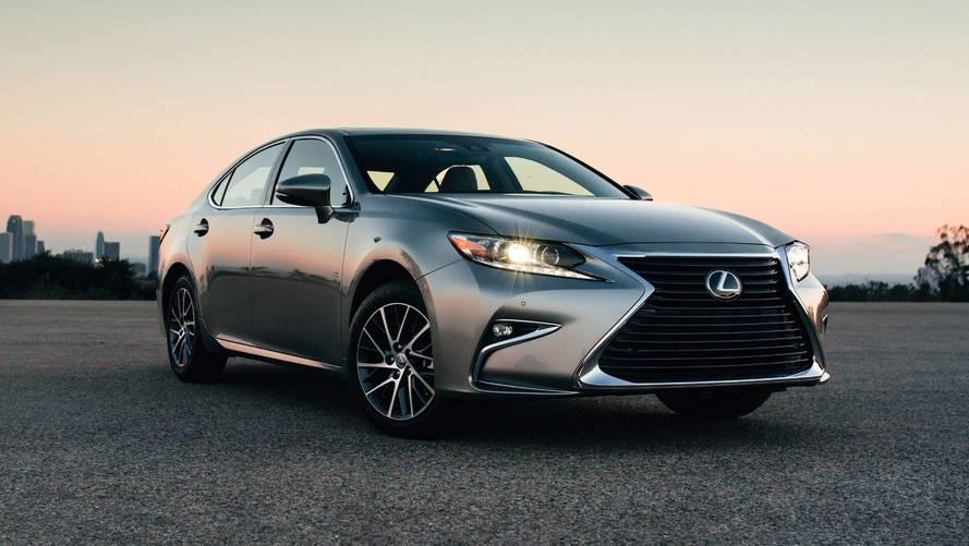 Самые безопасные автомобили премиум-сегмента за 2017 год