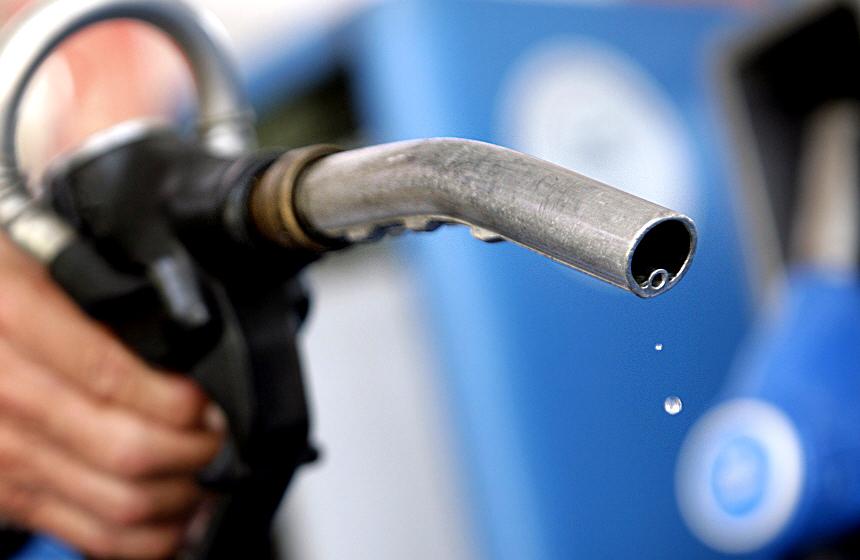 НаАЗС дорожают бензин идизель