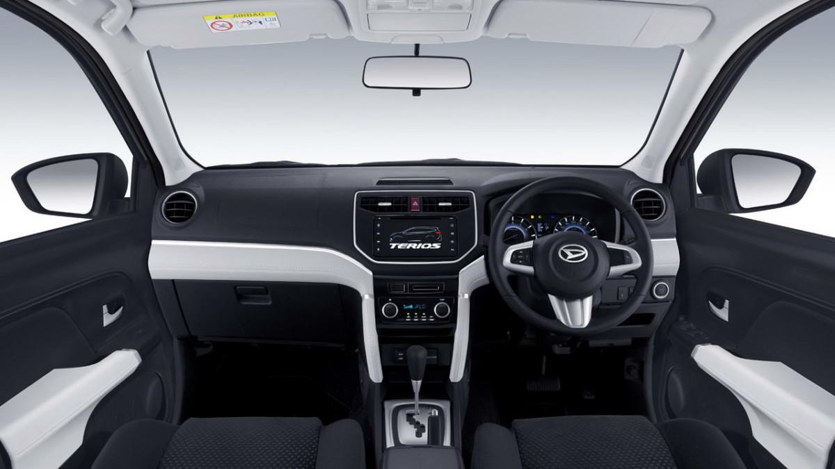 Новый Daihatsu Terios 2018 подрос и стал семиместным