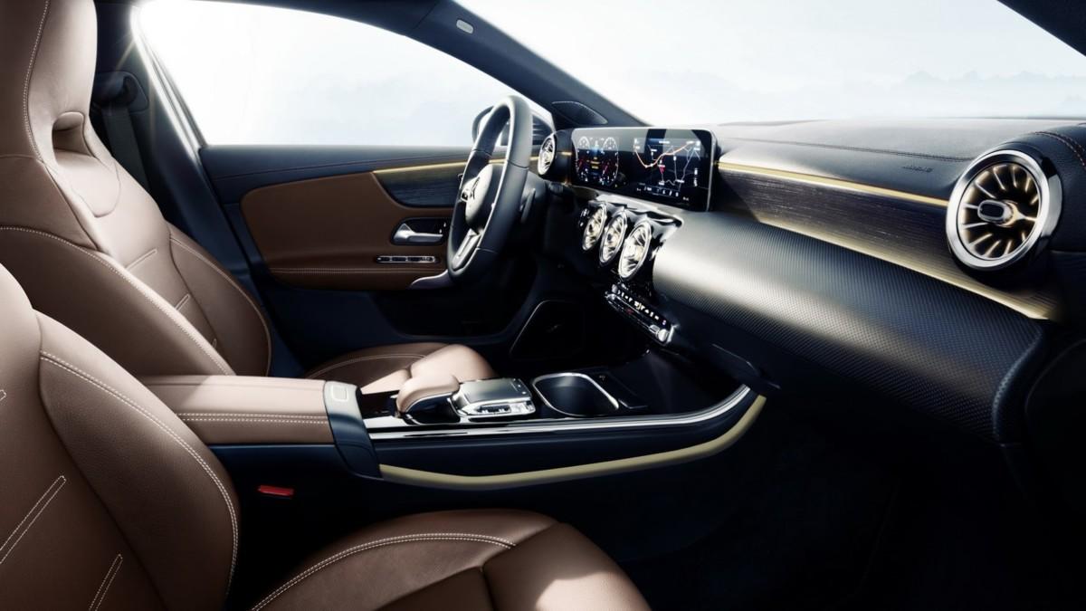 Официальные фото и подробности нового Mercedes-Benz A-Class 2018