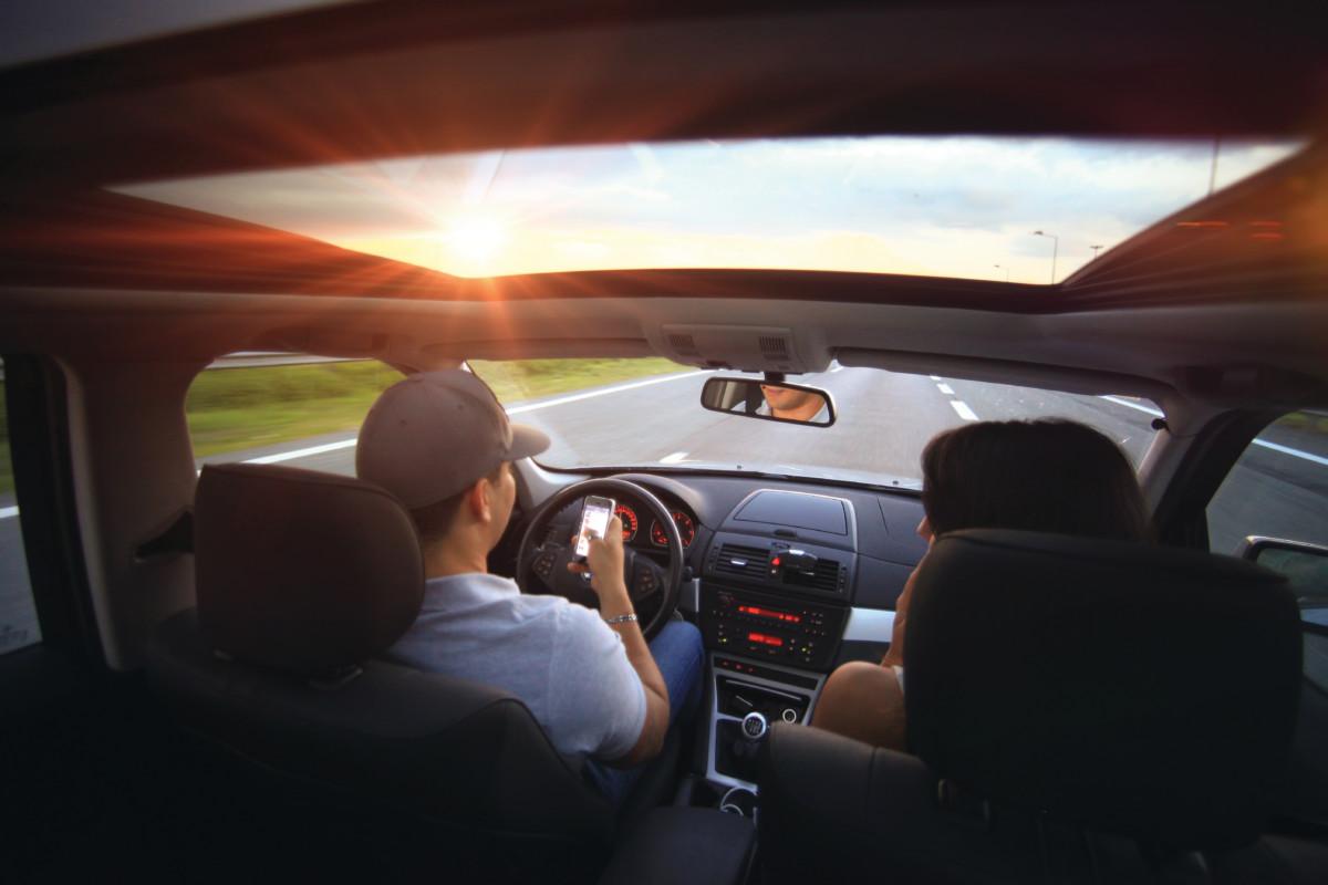 использование мобильного за рулем
