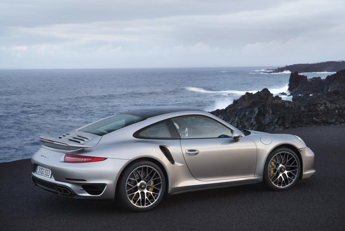 на чем ездят самые богатые люди Porsche 911