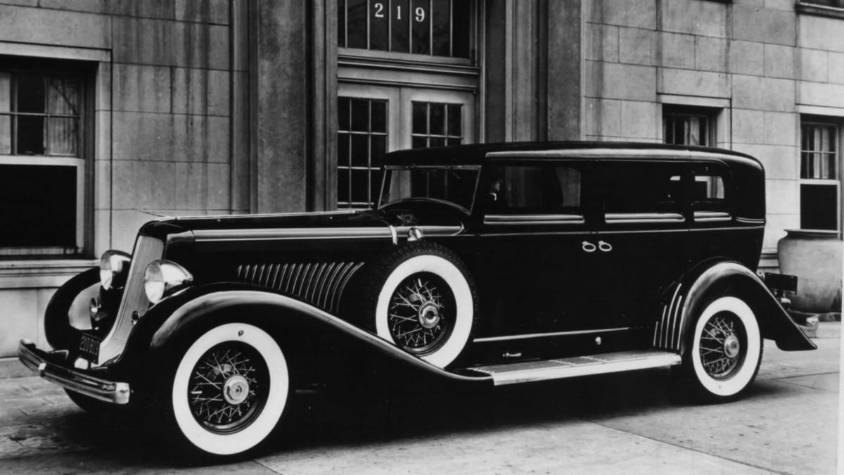 <span onkeypress='MORFOLOGIK_RULE_UK_UA---#---undefined---#---Знайдено ймовірну орфографічну помилку---#---автомобіль#автомобіля#автомобілі#автомобілю---#---автомобили' class='soloveiko-hidden-spell-error'>автомобили</span> <span onkeypress='MORFOLOGIK_RULE_UK_UA---#---undefined---#---Знайдено ймовірну орфографічну помилку---#---гангстерів#гангстерові#гангстером---#---гангстеров' class='soloveiko-hidden-spell-error'>гангстеров</span> 30-х <span onkeypress='MORFOLOGIK_RULE_UK_UA---#---undefined---#---Знайдено ймовірну орфографічну помилку---#---готов#Горов#Годова#Годове#Годову#Годові#Годой#Годою#Годоя#Годої#Годів#годив#годок---#---годов' class='soloveiko-hidden-spell-error'>годов</span> Duesenberg J