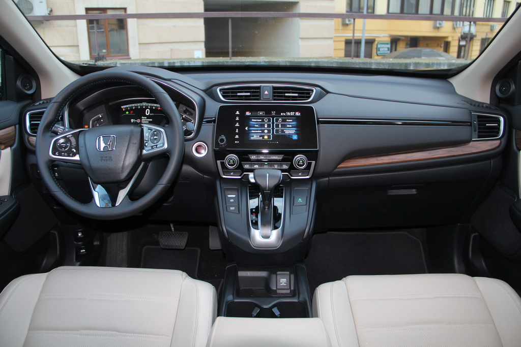 Салон Honda CR-V 2017