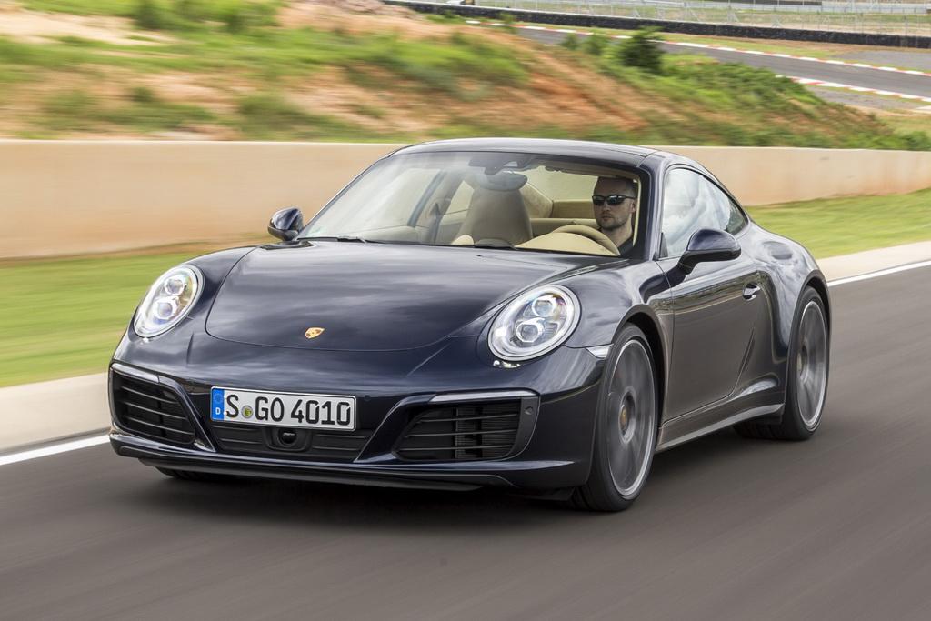 Porsche 911 & Infiniti Q60