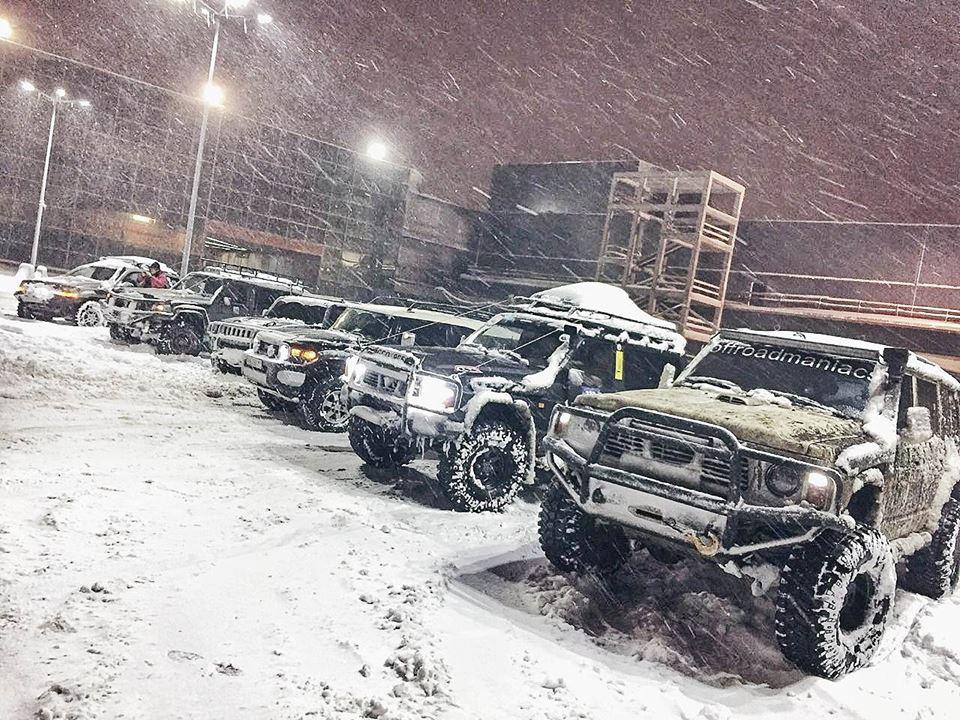 застрял в снегу