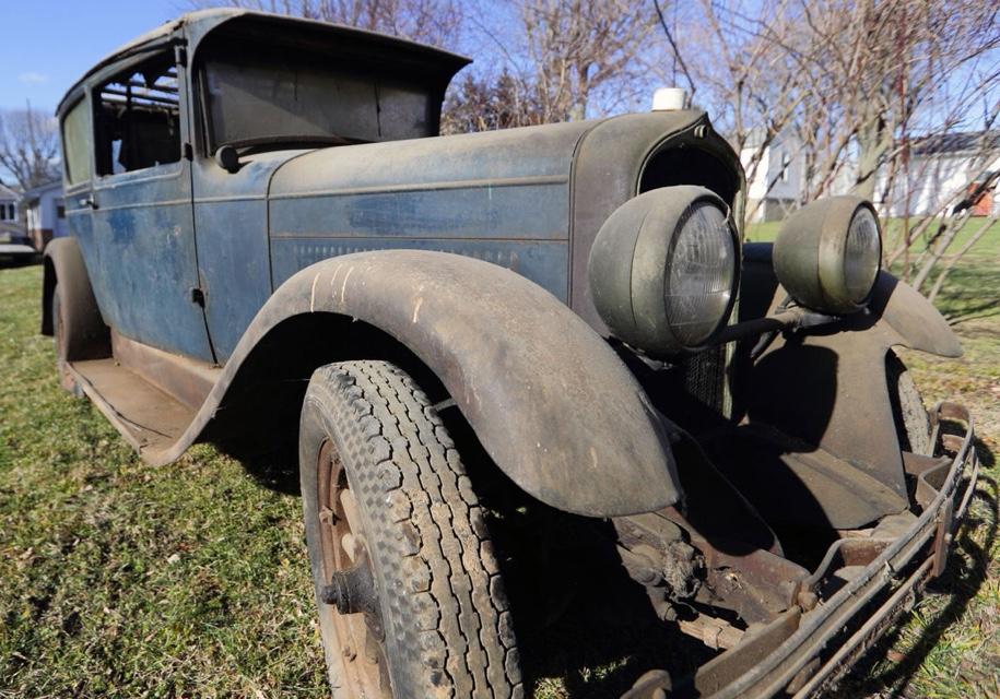 Как выглядит 90-летний автомобиль, простоявший вгараже полвека