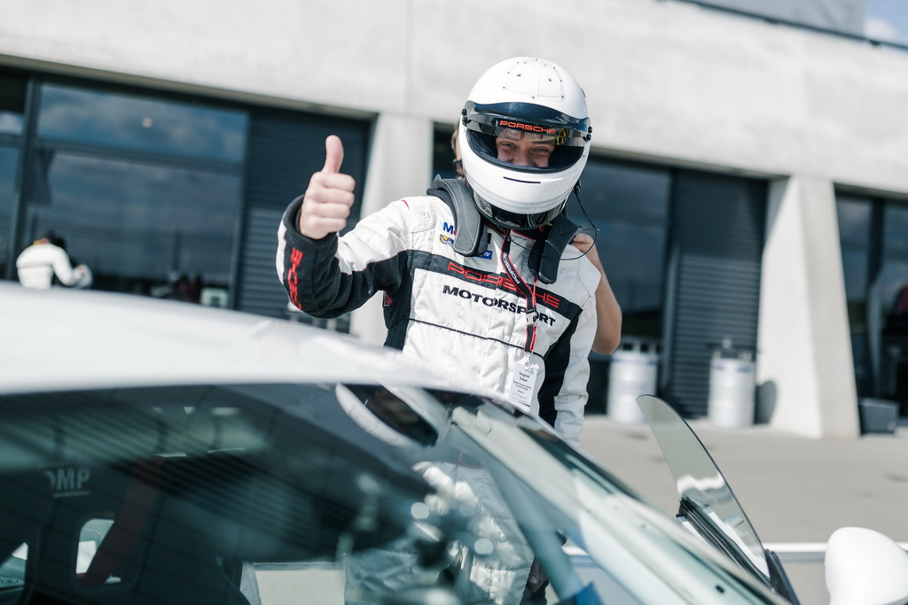 Porsche GT4 Clubsport