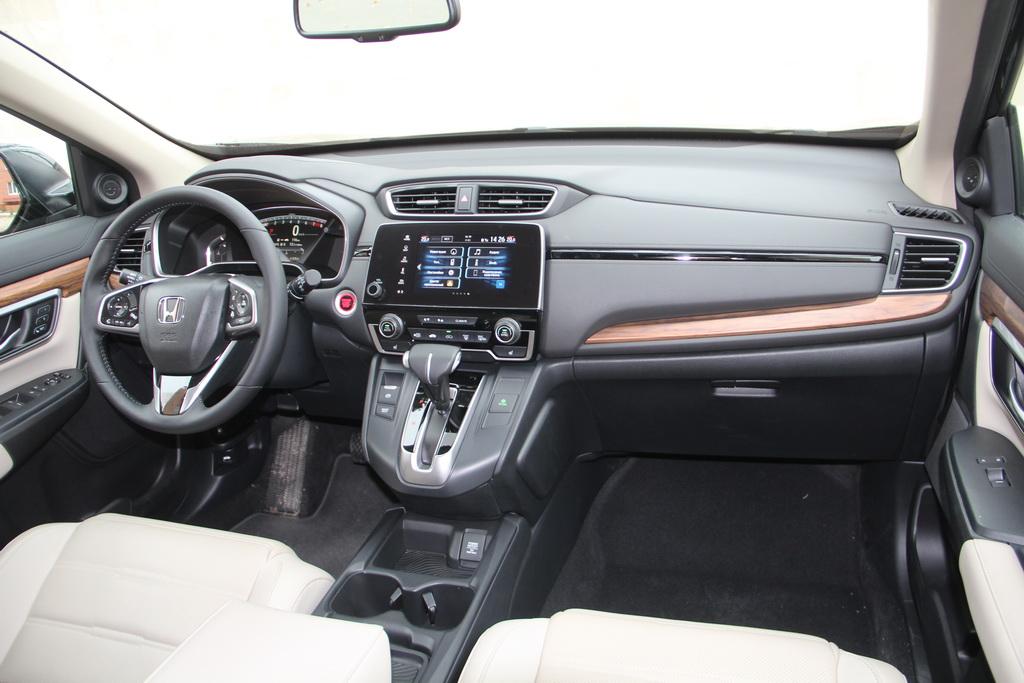 Интерьер Honda CR-V 2017