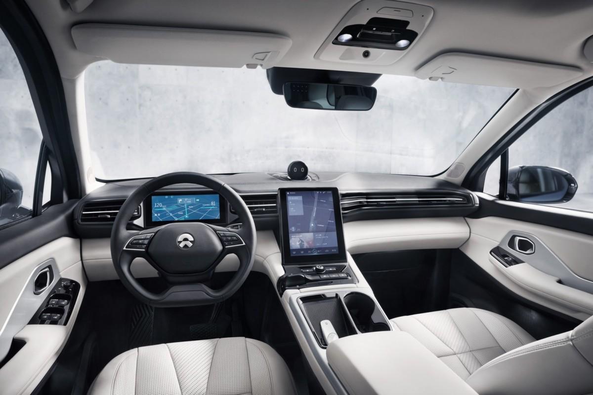 NIO ES8: все подробности и цена китайского конкурента Tesla Model X