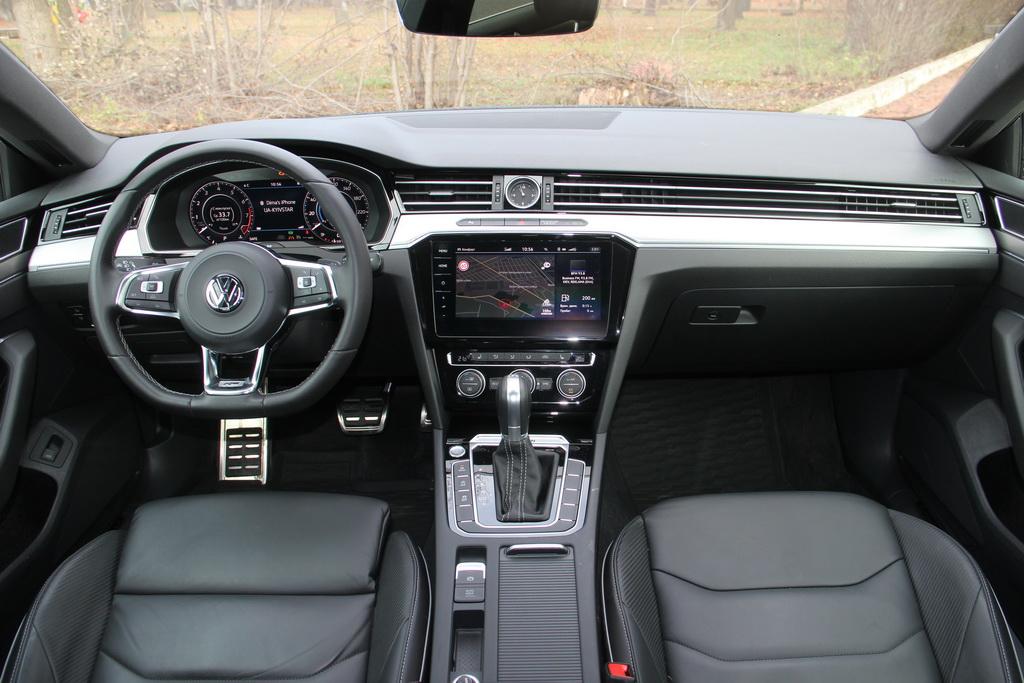 Салон Volkswagen Arteon 2017