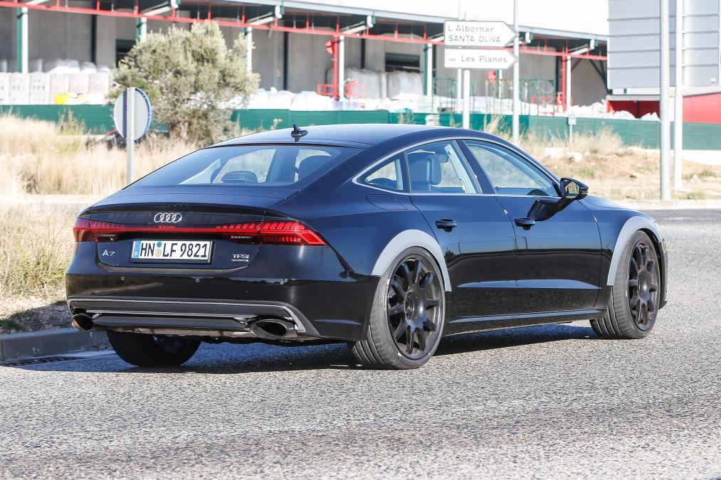 Мощнейший спорткар Ауди RS7 Sportback засняли вовремя уличных тестов