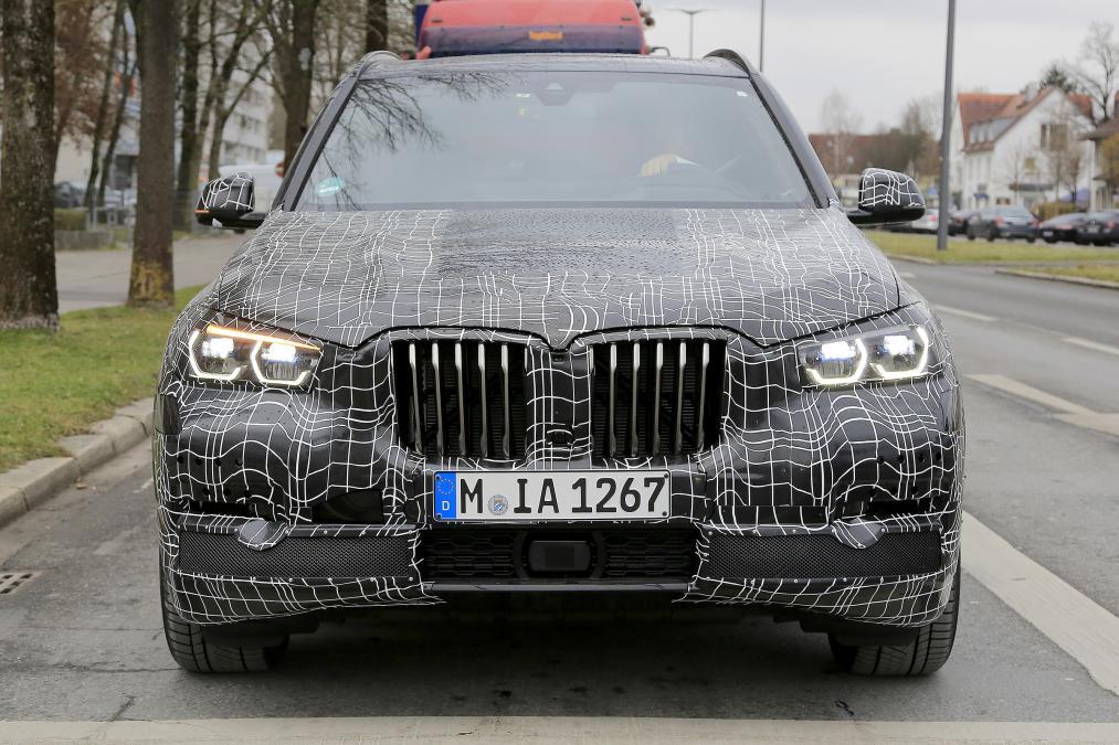 Первые фото нового BMW X5 2019