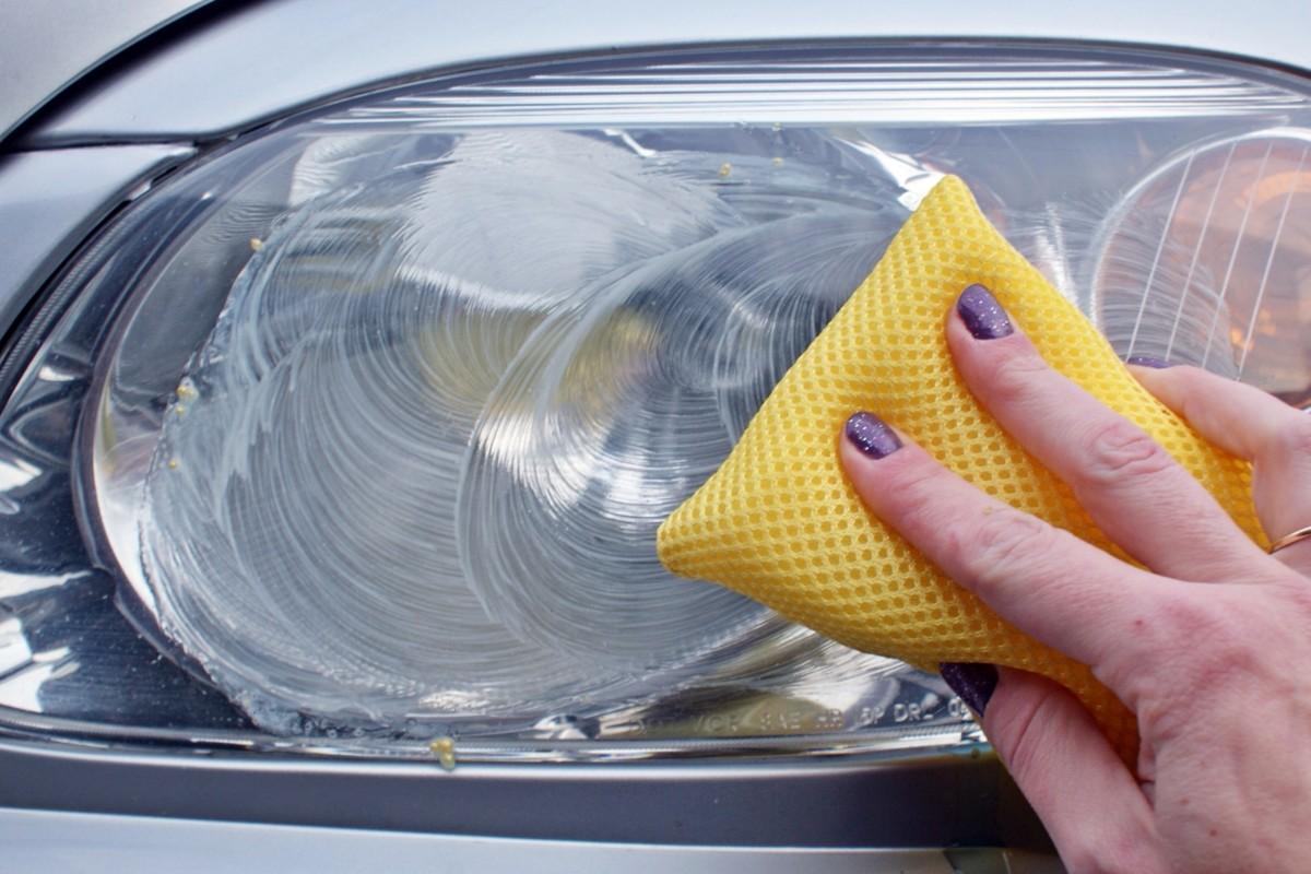 Автомобильные лайфхаки - Как почистить автомобильные фары