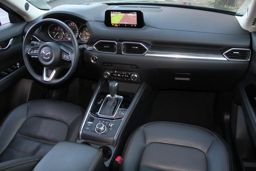Интерьер Mazda CX-5 2017