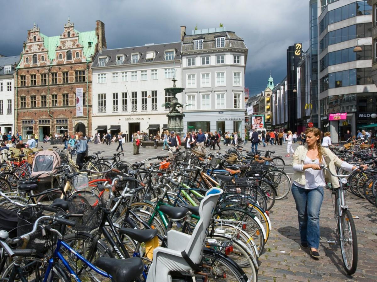 Стоит ли покупать машину если живешь в большом городе - центр европейского города