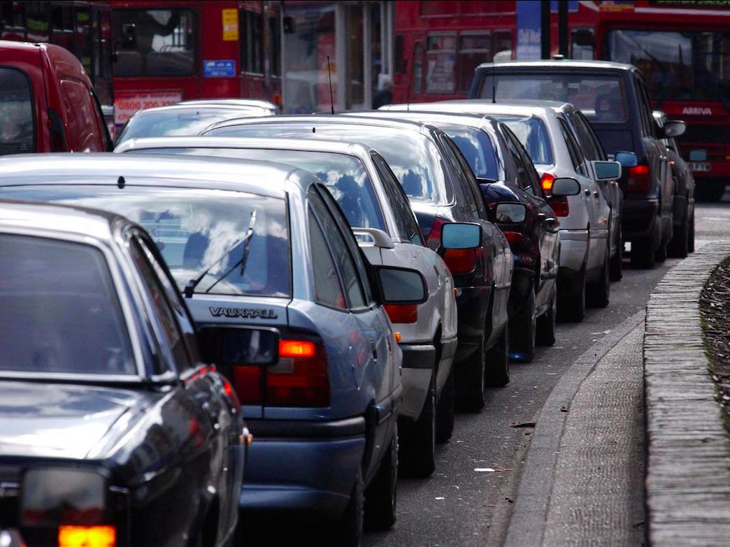 Стоит ли покупать машину если живешь в большом городе - городские пробки