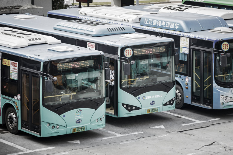 Китайский город первым в мире полностью перешел на электробусы