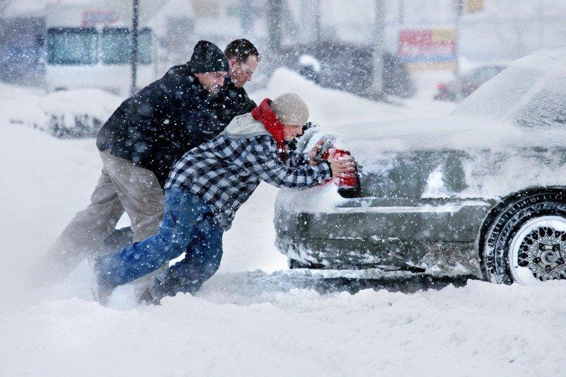 Как парковаться в снегу и выезжать из снежного плена