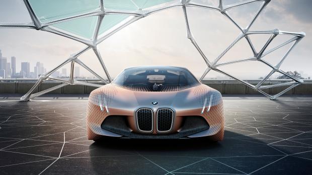Беспилотный электрокроссовер BMW представят уже в этом году