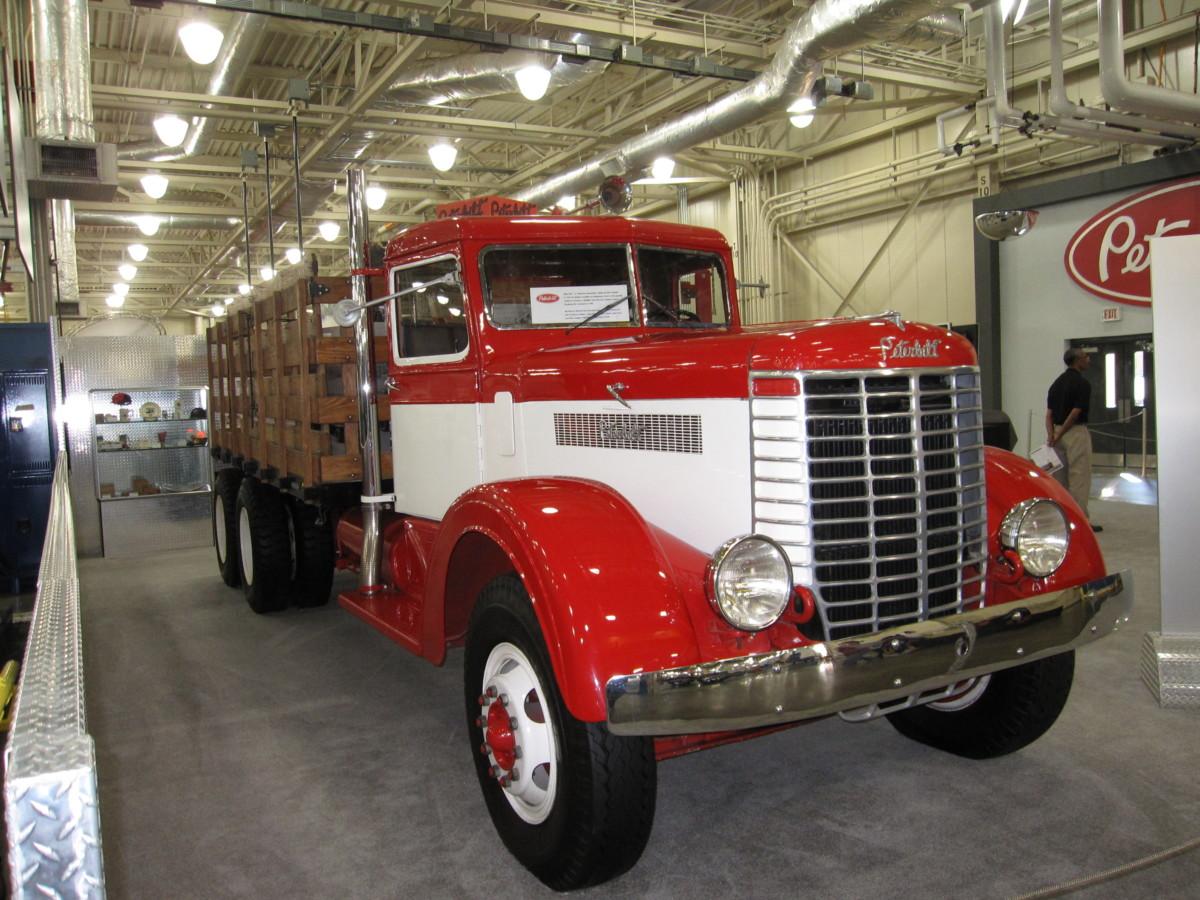 Первый грузовик Peterbilt - 1939 года выпуска