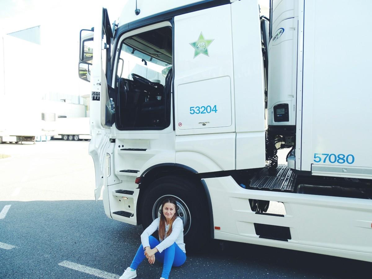 Украинка Елена Дровняк работает дальнобойщико