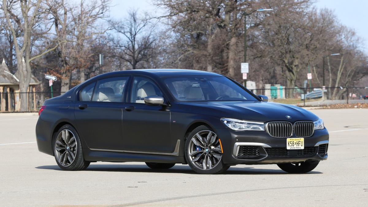 BMW откажется от двигателей V12?